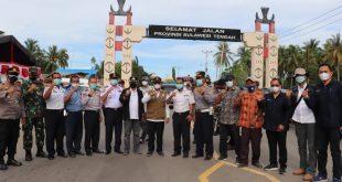 Tinjau Perbatasan Sulteng – Gorontalo, Wagub Sulteng Berbagi Masker Dan Hand Sanitizer